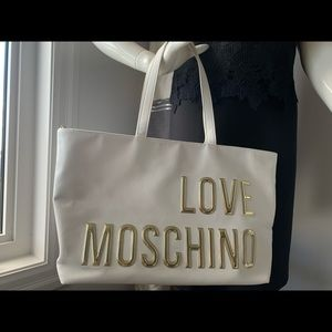 💯 authentic Love Moschino shopping bag